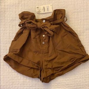 NWT Zara brown paper bag shorts. NEVER WORN